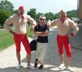 Bro Fit Swimmers Electric Cabaret - Human statues - Living Statues - Entertainers