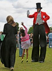 Ringmaster on stilts Electric Cabaret - Human statues - Living Statues - Entertainers
