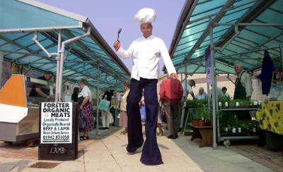 Chef on Stilts Electric Cabaret - Human statues - Living Statues - Entertainers