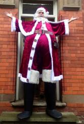 Santa on stilts Electric Cabaret - Human statues - Living Statues - Entertainers