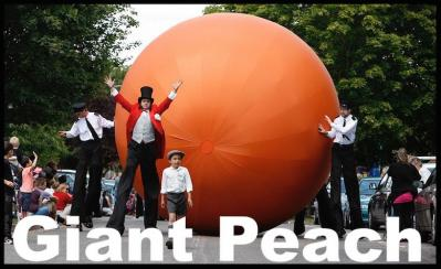 GIant peach Electric Cabaret - Human statues - Living Statues - Entertainers
