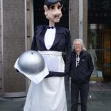 VIP Waiter - The tallest servant for your event - puppet - walkabout