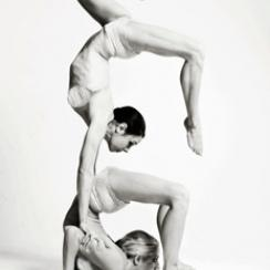 Solaris Contortion entertainers and Cabaret Circus Performers