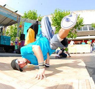 Methods of Movement - Acrobatic Breakdance Crew - Dance - Show or Walkabout